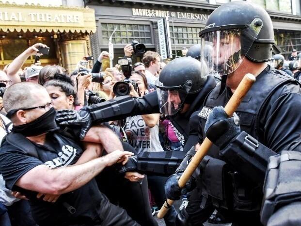 Фото что происходит в мире