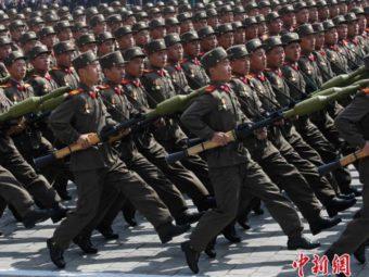 Армия Северной Корее на параде фотография