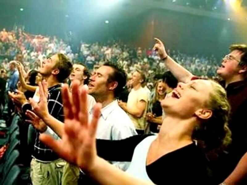 Фото религиозные фанатики в секте