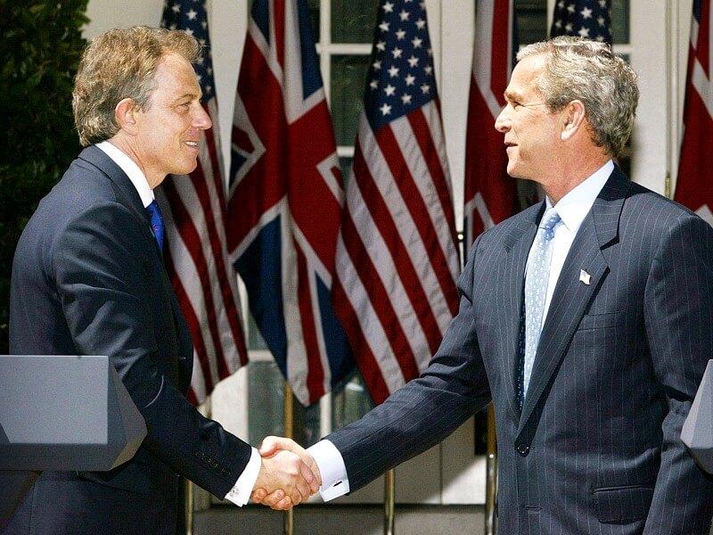 Фотот Тони Блэр и Джорж Буш мл