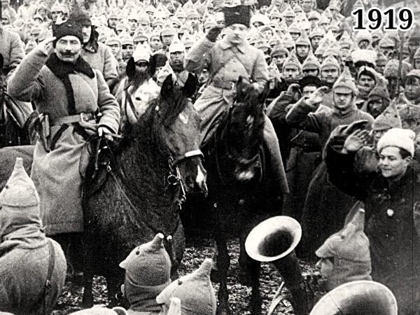 Фотография - командующий 1-й Конной армией Будённый и член РВС 1-й Конной армии Ворошилов