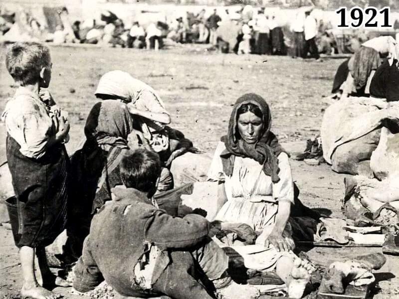 Фото крестьянская семья во время голода 1921 года