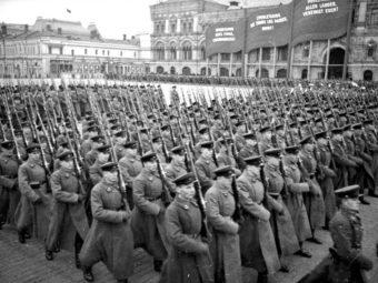 Фото Октябрьский артиллерийский парад на Красной площади 7 ноября 1939 года.